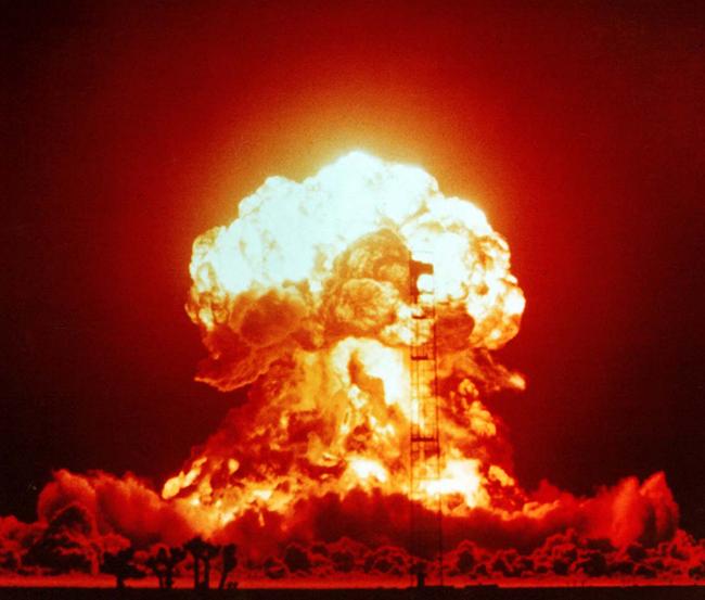 Prueba nuclear 'XX-34 BADGER' 1953. Desierto de Nevada. The Official CTBTO Photostream