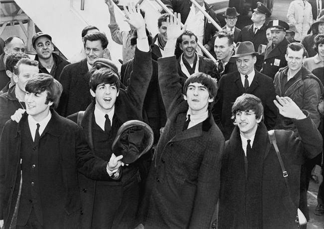 The Beatles, en el aeropuerto JFK de Nueva York el 7 de febrero de 1964.
