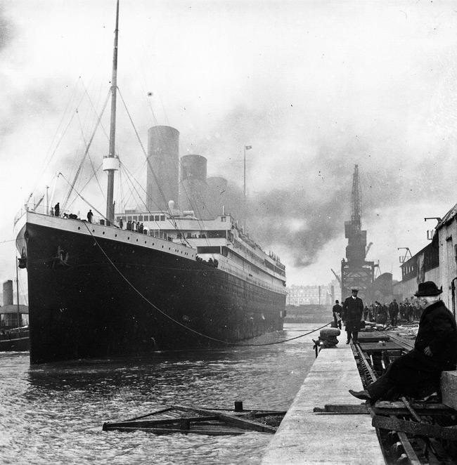 El Titanic en el puerto de Southampton poco antes de zarpar.