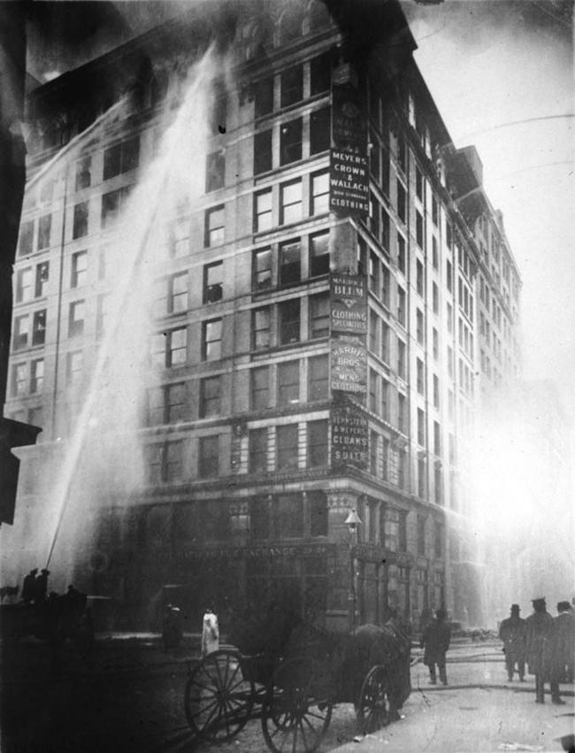 Incendio en la fábrica Triangle Shirtwaist de Nueva York, el 25 de marzo de 1911