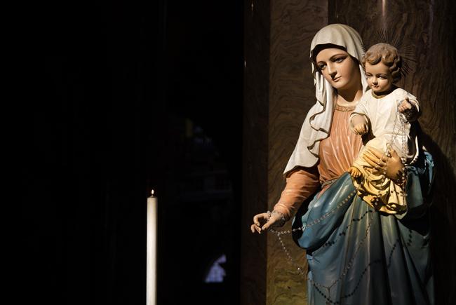 En países católicos, la madre queda representada por la figura de la Virgen María