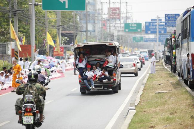 Tráfico en una calle de Tailandia