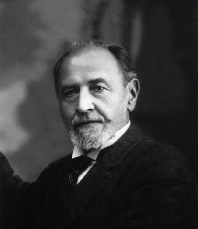 Juan Vucetich desarrolló las primeras fichas dactiloscópicas