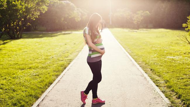 Un 11% de los bebés que nacen, son de madres adolescentes